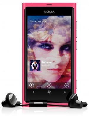 Nokia Lumia 800 matt magenta