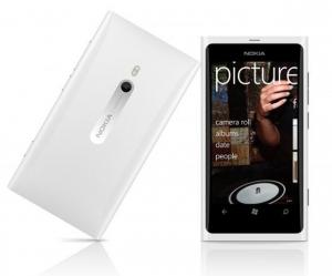 Nokia Lumia 800 gloss white